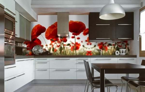 Фотообои с изображением маков для кухни