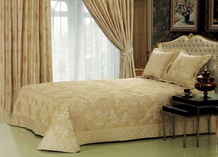 Занавески бежевого цвета в спальню