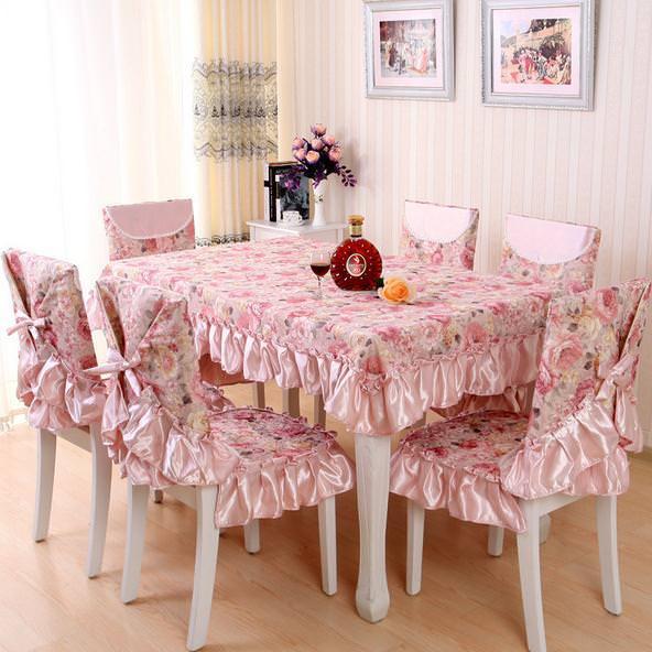 Чехлы розового цвета на стулья для кухни