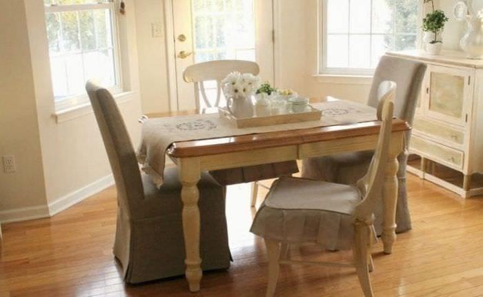 Чехлы коричневого цвета на стулья для кухни