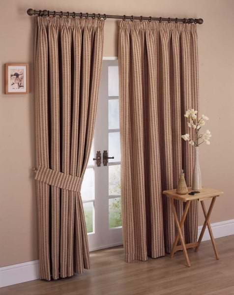 cool-bedroom-curtain-ideas