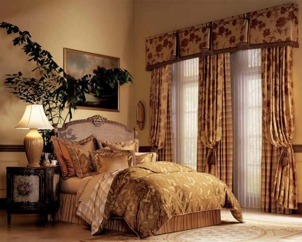 drapes-and-curtains