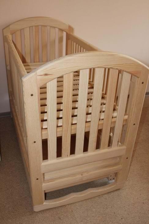 Деревянная детская кроватка для новорожденного малыша