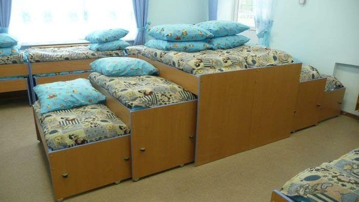 Детская выдвижная кровать трансформер с двумя ярусами
