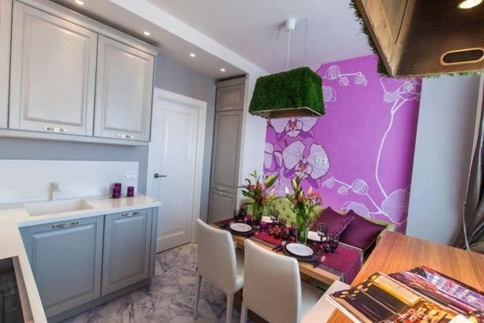 Фотообои для центральной стены в небольшой кухне