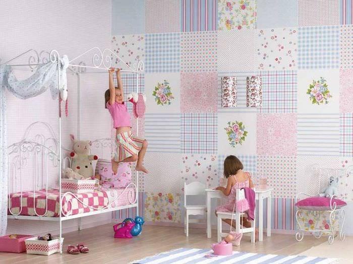 Дизайн детской комнаты для мальчика со светлыми обоями