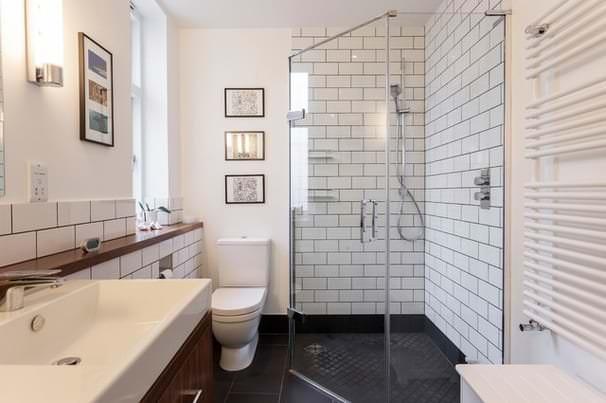 Подбираем душевую кабину для маленькой ванной комнаты