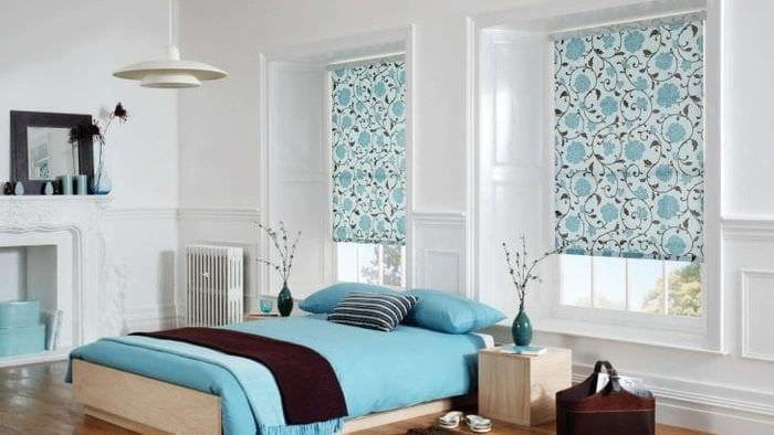 Окна с жалюзи из обоев для спальни в стиле прованс