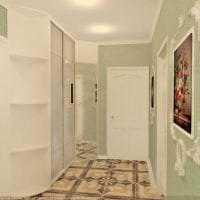 белые двери в стиле с оттенком алого фото