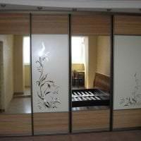 большой шкаф в интерьере коридора фото