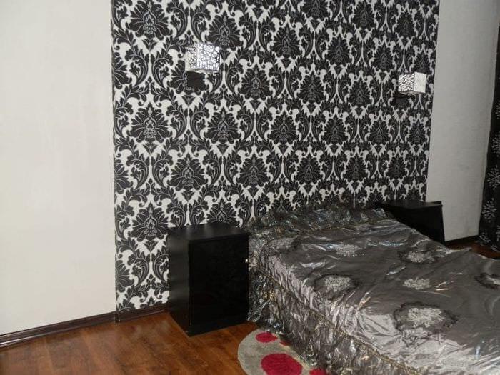 черные обои в дизайне коридора в стиле электика