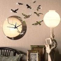 пластиковые часы в гостиной в стиле хай тек картинка