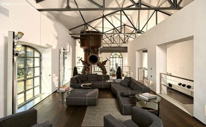 интерьер квартиры в стиле стимпанк с кожаной оббивкой