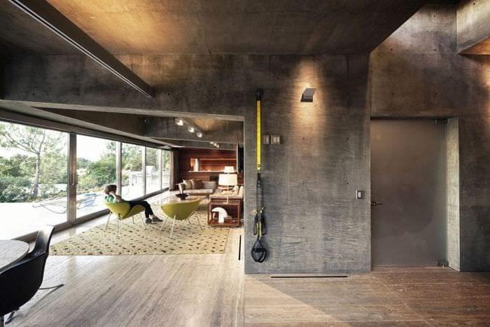 отделка потолка с бетоном в доме