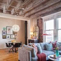 стиль потолка с бетоном в гостевой картинка