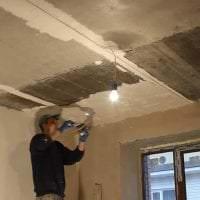 интерьер потолка с раствором бетона в квартире фото