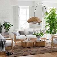 искусственные цветы в дизайне квартиры фото