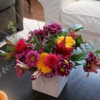 искусственные цветы в дизайне прихожей фото