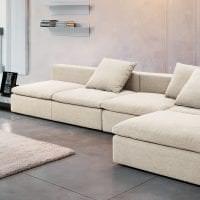 красивый угловой диван в дизайне прихожей фото