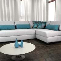 светлый угловой диван в интерьере гостиной картинка