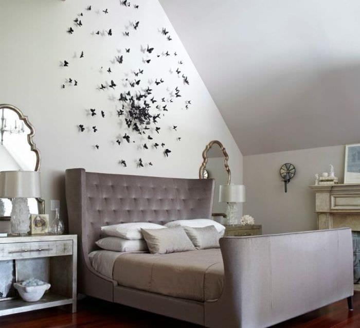 необычные бабочки в декоре спальни