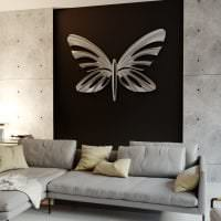 необычные бабочки в декоре коридора картинка