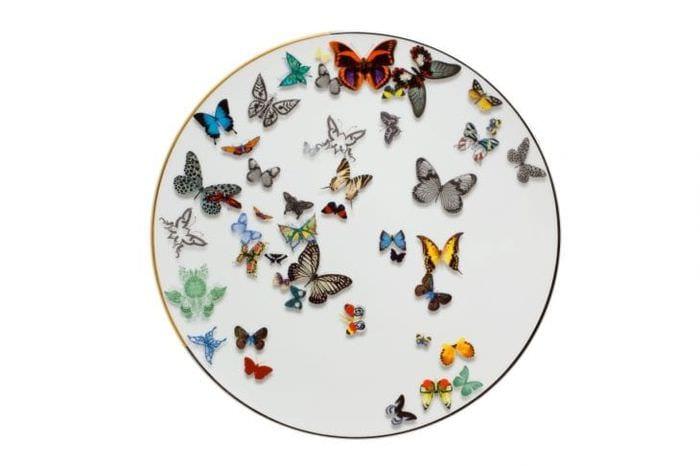 красивые бабочки в декоре коридора