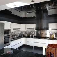 деревянный черный потолок в стиле гостиной фото