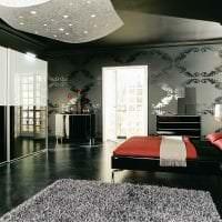 красивый черный потолок в интерьере дома фото