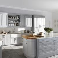 красивый стиль белой кухни с оттенком серого картинка