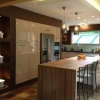 светлый дизайн бежевой кухни в стиле кантри фото