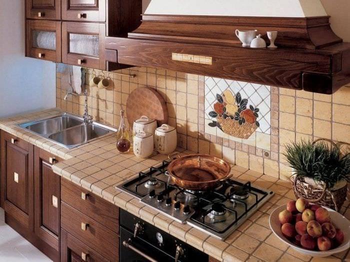 красивый фартук из плитки стандартного формата с изображением в стиле кухни