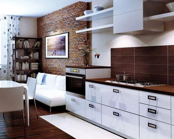 светлый фартук из плитки большого формата с изображением в декоре кухни