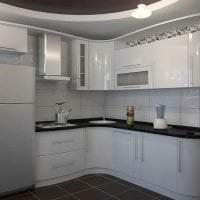 яркий стиль белой кухни с оттенком розового фото