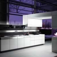 светлый декор кухни в стиле хай тек картинка