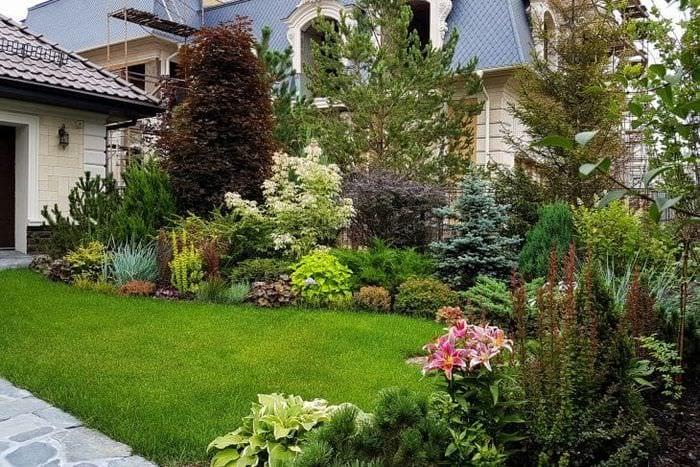 шикарный ландшафтный декор сада в английском стиле с цветами