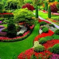 шикарный ландшафтный дизайн дачи в английском стиле с деревьями картинка