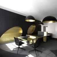 изысканный интерьер коридора в черном цвете картинка