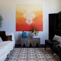 необычный трафарет в дизайне спальни фото