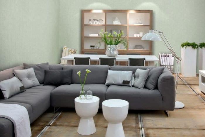 создании картинки диванов в интерьере гостиной отличие