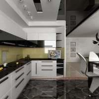 красивый черный потолок в декоре кухни фото