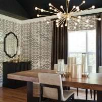 натяжной черный потолок в декоре кухни картинка