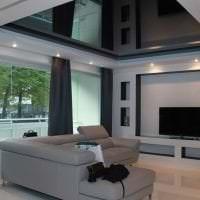 деревянный черный потолок в дизайне коридора фото