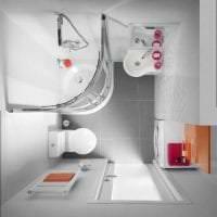 светлый стиль ванной комнаты с душем в ярких тонах картинка