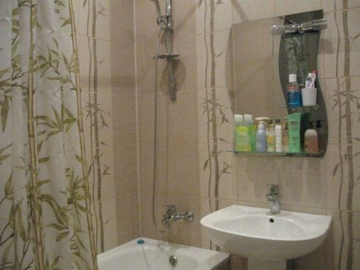 потолок с бамбуком в дизайне кухни