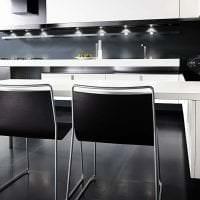 красивый дизайн гостиной в черно белом цвете картинка