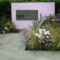 красивый ландшафтный дизайн дачного участка в английском стиле с цветами картинка
