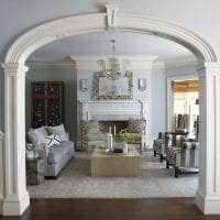 яркая арка в интерьере кухни картинка