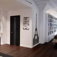 светлые двери в интерьере гостевой картинка