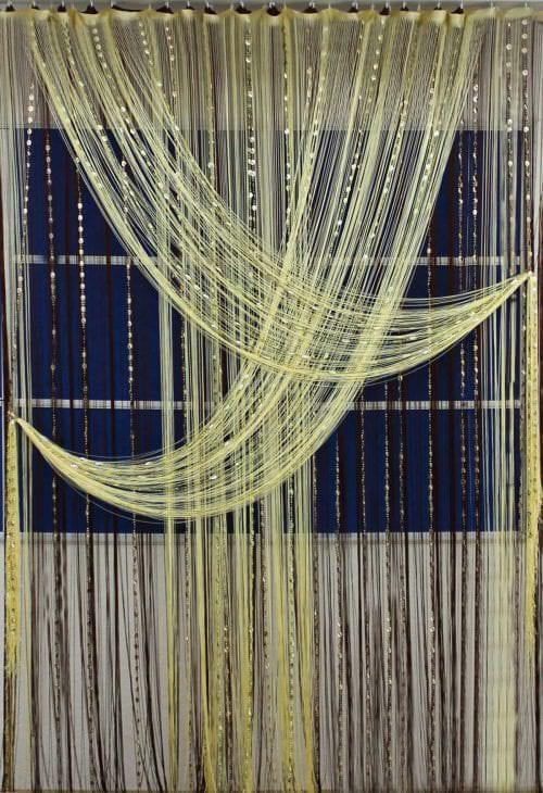 необычные шторы нити в дизайне коридора